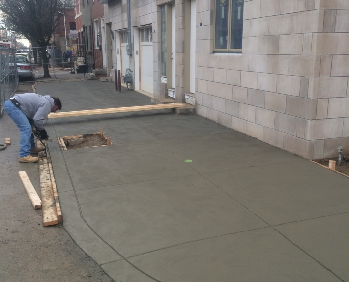 Philadelphia concrete contractor finishing concrete